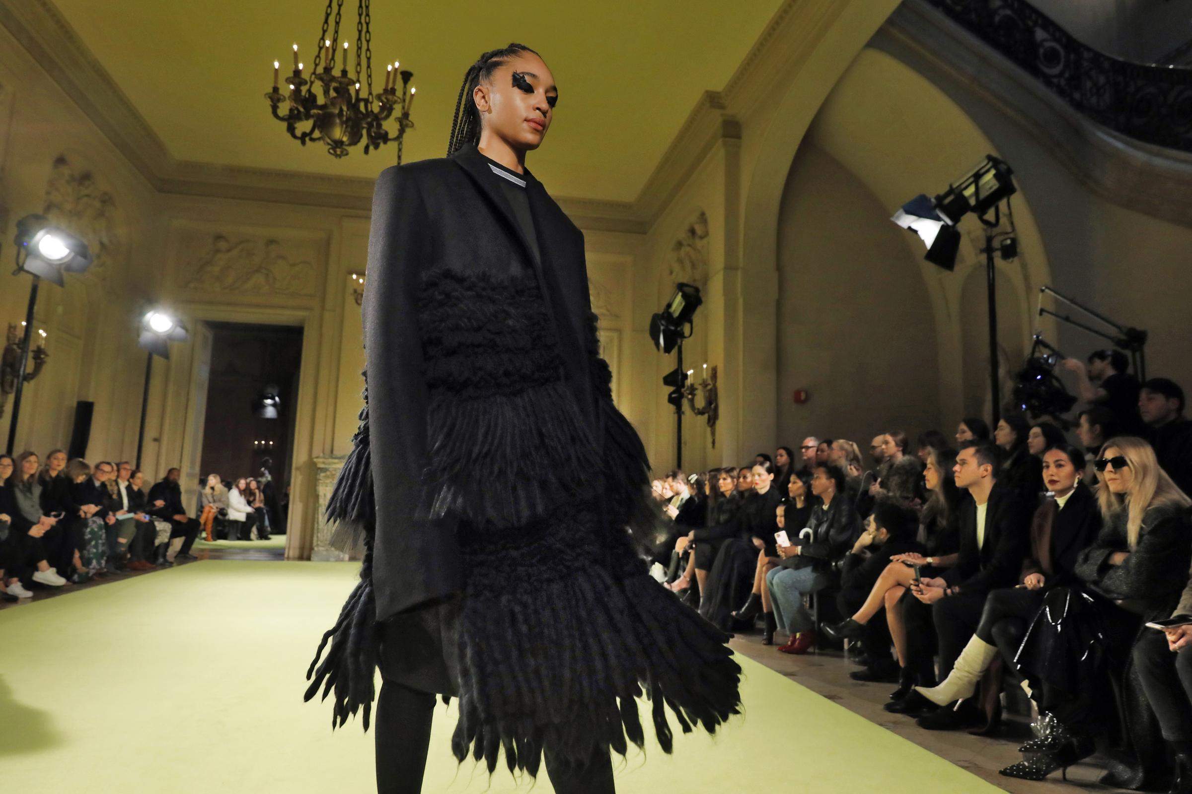 New York Fashion Week 2020, sfilata Vera Wang (AP Photo/Richard Drew)