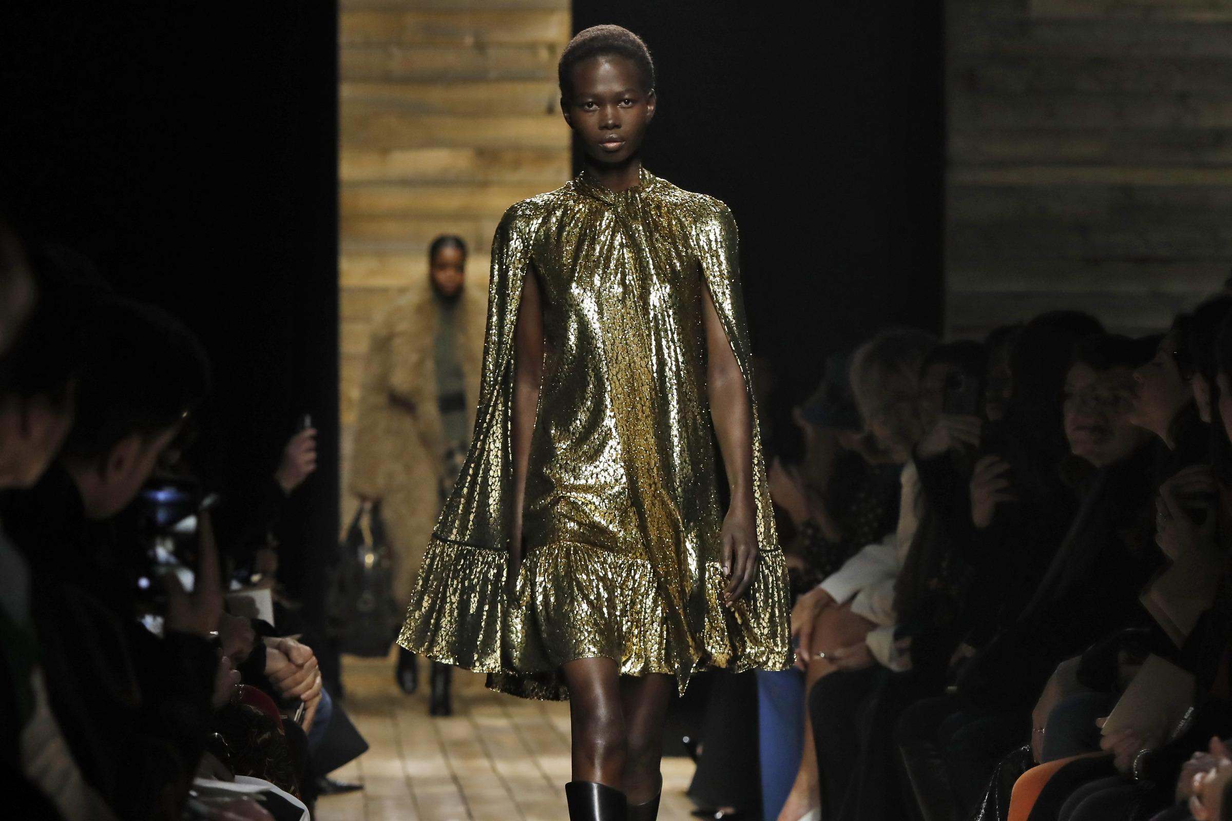 New York Fashion Week 2020, sfilata Kors(AP Photo/Richard Drew)