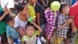 "Myanmar, tra i ""senza ciabatte"""