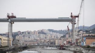 Genova: il ponte in primavera