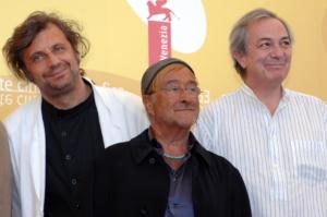 """Gian Mattia D'Alberto/LaPresse Lucio Dalla nel 2006 a Venezia per la 63° Mostra del cinema come autore e interprete delle musiche del film """"Quijote""""."""