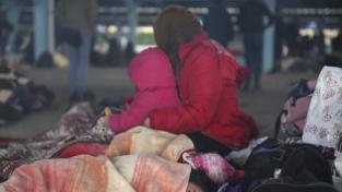 Migranti, la Grecia chiede aiuto all'Unione europea