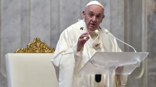 """Il papa ai comunicatori: """"Incontrate le persone dove sono e come sono"""""""