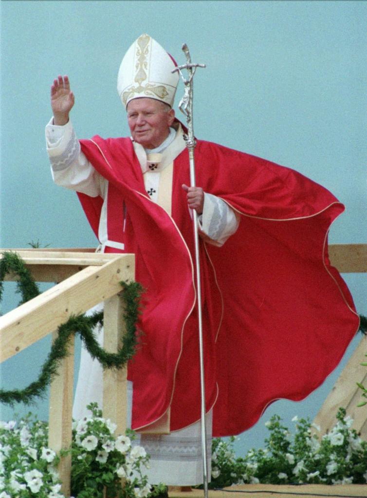 Giovanni Paolo II (AP Photo/Jockel Finck)