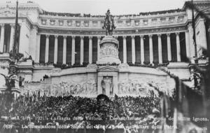 Foto Wikipedia, tumulazione del milite ignoto 1921