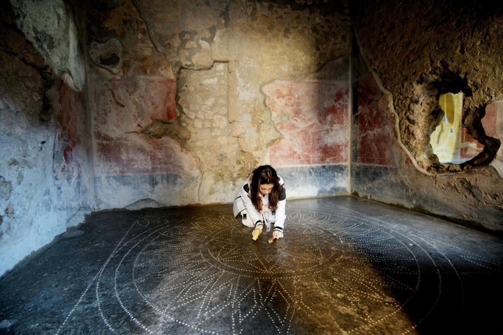 Pompei, Franceschini in visita agli scavi