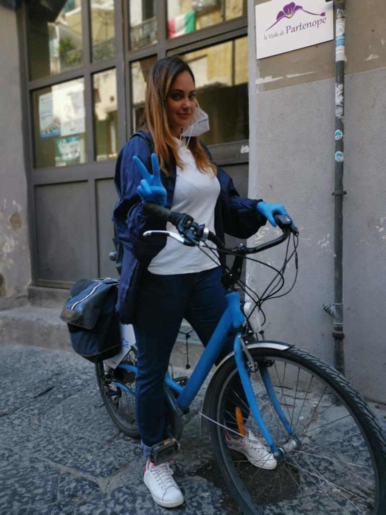 Maria Pia Viola, in bici per le vie di Napoli