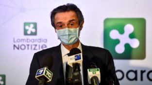 Camici per i medici, il presidente Fontana nella bufera