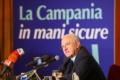 Covid in Campania, obbligo di mascherine anche all'aperto