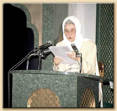 Harlem (New York), 18 maggio 1997: Chiara Lubich offre la sua testimonianza di cristiana nella moschea intitolata a Malcom X