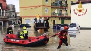 La bomba d'acqua che ha colpito Crotone