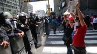 E' crisi politica in Perù