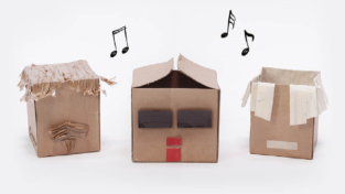 """Elio e le storie tese cantano """"Vecchio cartone"""" per insegnare a riciclare"""