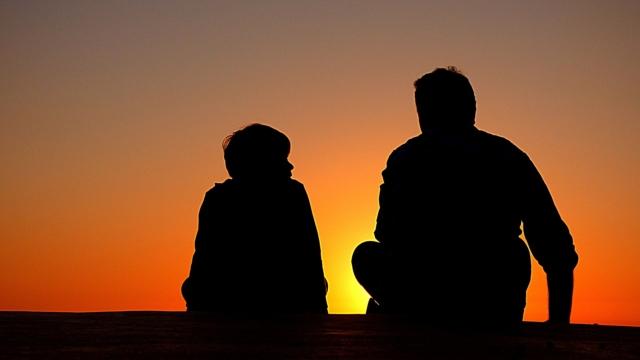 La sfida del dialogo tra genitori e figli