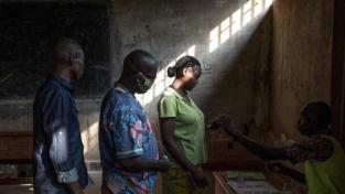 Centrafrica: Touadéra rieletto in un Paese diviso
