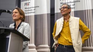 Una buona economia, l'umiltà da Nobel di Abhijit Banerjee e Esther Duflo