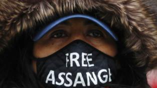 Julian Assange non sarà estradato negli Stati Uniti