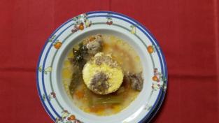 Brodo di manzo e frittatine