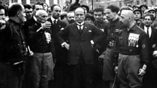 Comunisti e fascisti a battesimo