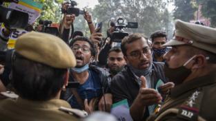 India, non si ferma la rivolta dei contadini