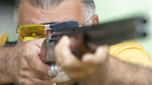Brasile: Bolsonaro liberalizza le armi personali