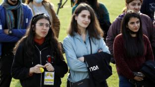 Si può essere giovani e rimanere in Medio Oriente?
