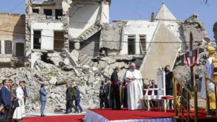 Papa Francesco: «Chi vende oggi le armi ai terroristi?»
