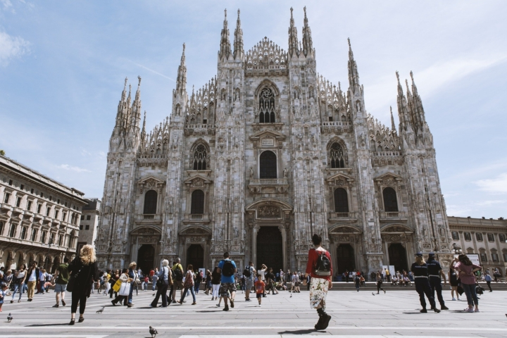 fotografia del Duomo con la sua Scuola della Cattedrale