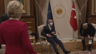 #SofaGate, lo sgarbo di Erdogan a Von der Leyen e all'Unione europea