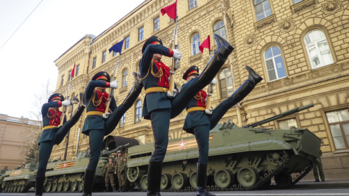 Russia Honour guard soldiers train prior to the Victory Day military parade at Dvortsovaya (Palace) Square in St. Petersburg, Russia, Sunday, May 9, 2021, marking the 76th anniversary of the end of World War II in Europe. (AP Photo/Dmitri Lovetsky)