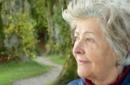 vivere in salute: benessere di una donna anziana