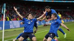 Italia-Austria 2-1: il carattere oltre la sofferenza, azzurri ai quarti!