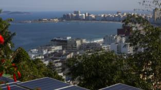 Energia solare nelle favelas di Rio