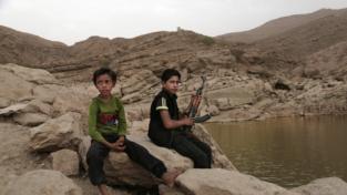 Bambini senza scuola in Yemen e basi negate negli Emirati Arabi Uniti