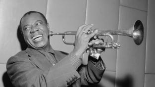 Louis Armstrong, 50 anni dalla scomparsa di una leggenda