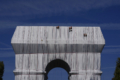 Parigi, l'Arco di Trionfo è impacchettato