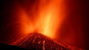 Il vulcano Cumbre Vieja divora le Isole Canarie