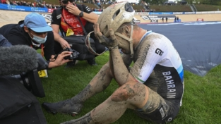 Sonny Colbrelli trionfa nella Parigi-Roubaix