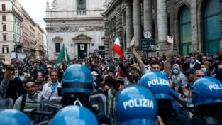 No vax, proteste e guerriglia urbana